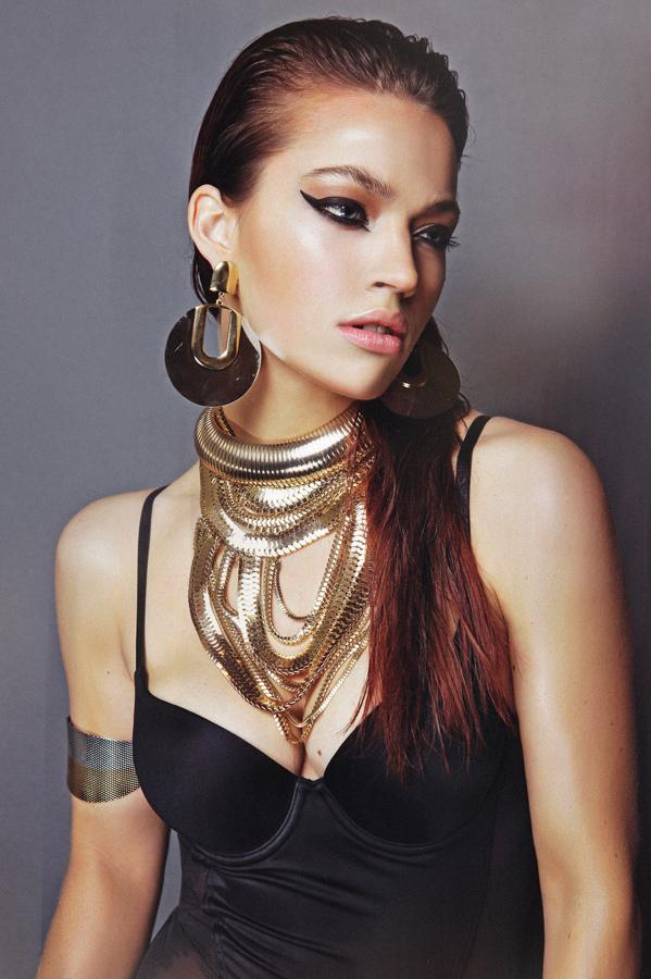 Photography: Michiel Zoeter Model: Tara Koppers
