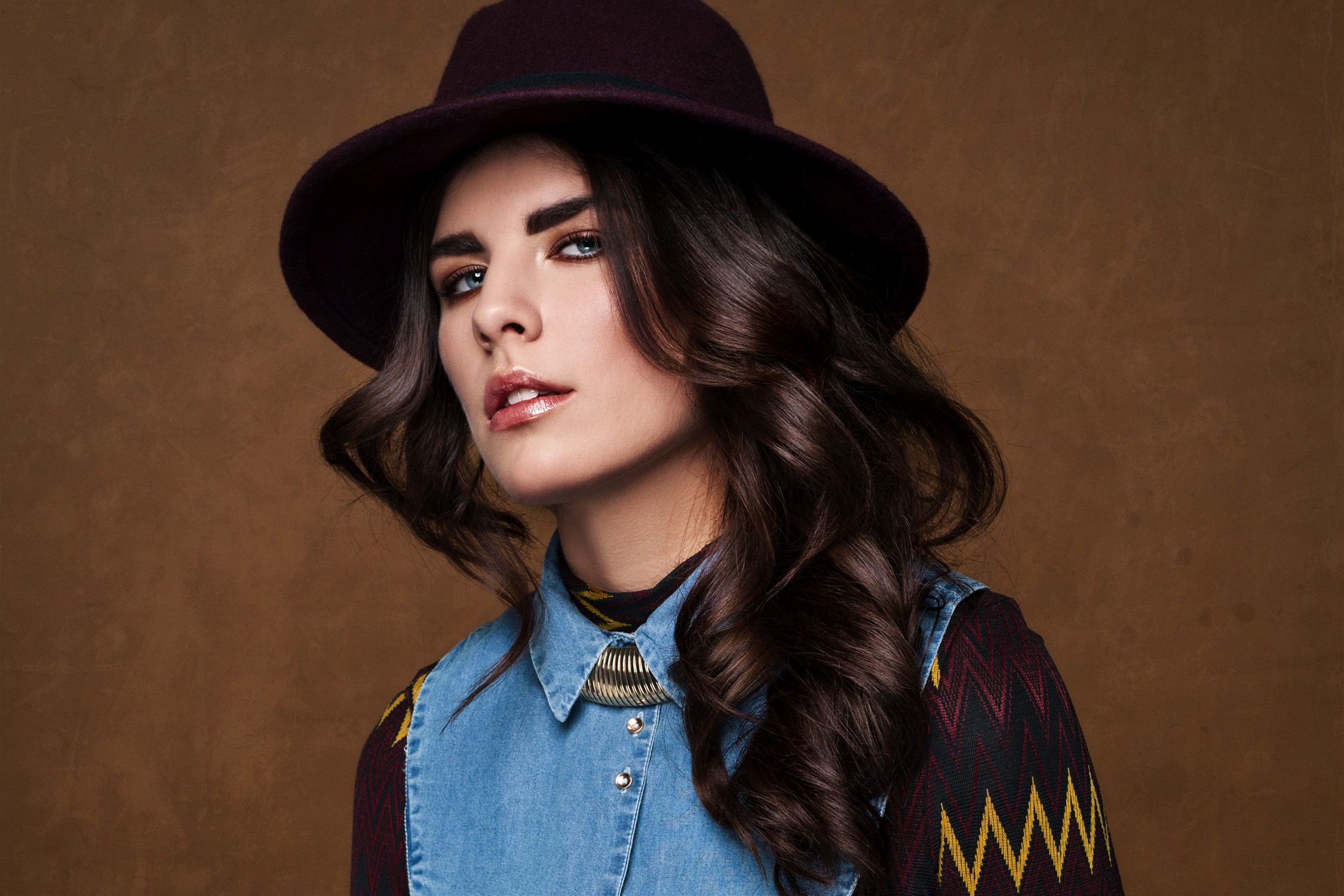 Photography & Visagie: Joyce Djo  Assistent Styling: Hajar Dekkers  Model: Nikki Steigenga  Hair: Kristy Vercoelen